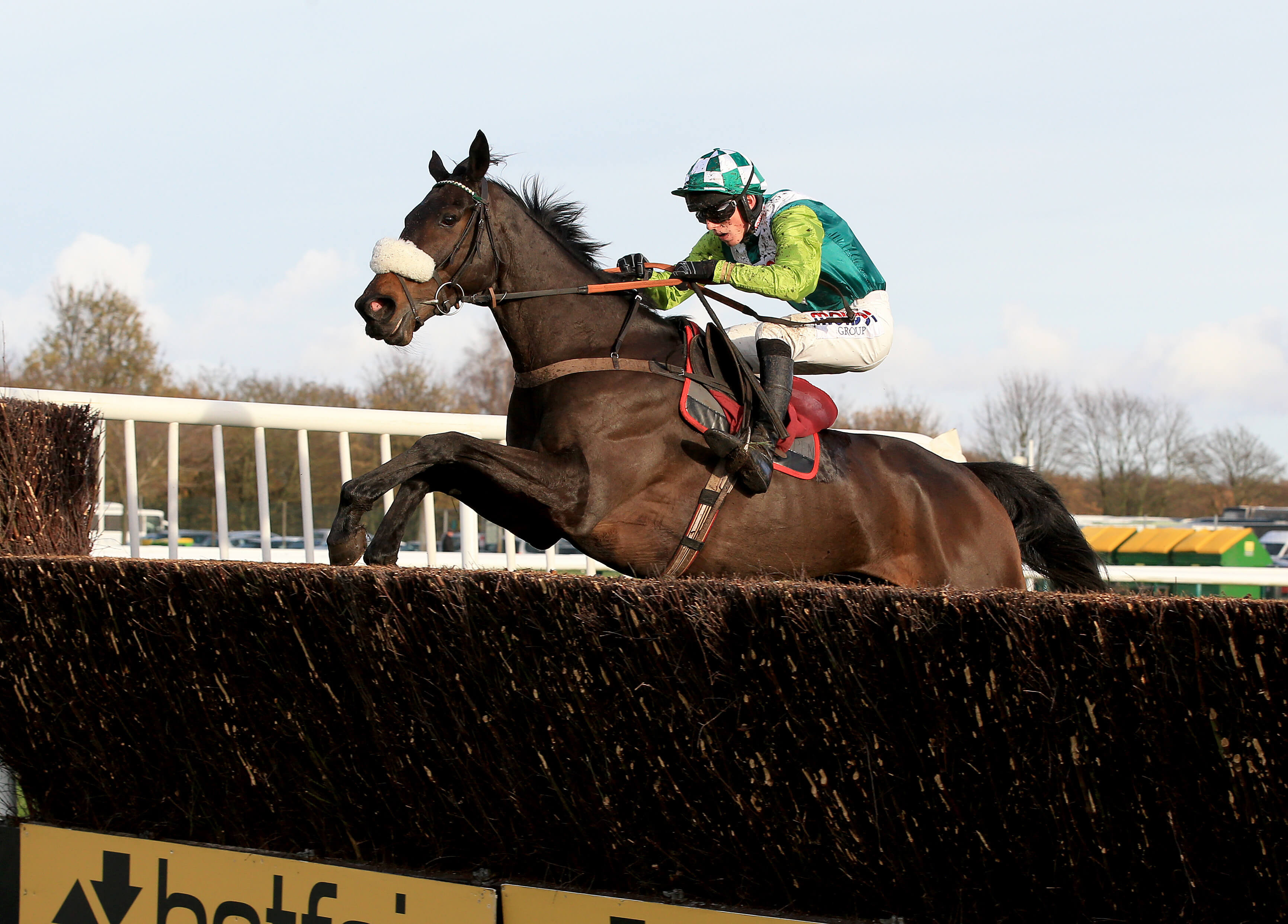 Aintree Day One Preview: Clan Des Obeaux can bounce back after Cheltenham disappointment