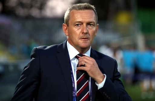England v Romania U21s: All or nothing for Boothroyd's boys